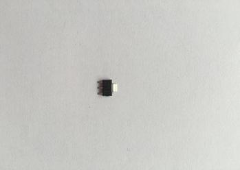 1117-3.3V贴片稳压管